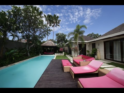 SUPERTRAVELME - Chandra Luxury Villas Bali in Seminyak. Villa Number 9