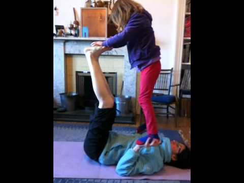 Kids Acro Yoga