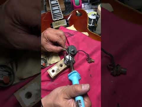 【川越のT.S.G.楽器店】Gibson L-5 メンテナンス「ポットリペア」