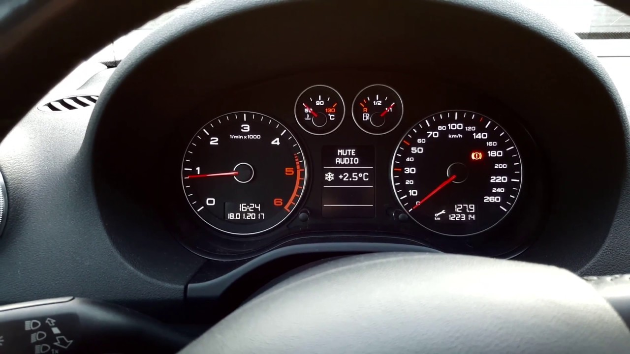 Mazda 3 Owners Manual: Outside Temperature Display