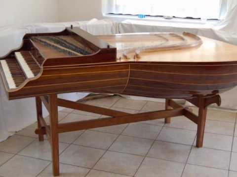 Bach — Prelude BWV 997 Played On Lute-Harpsichord (Gergely Sárközy)