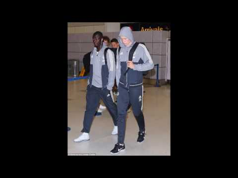Manchester United jet back to England as stars arrive at airport