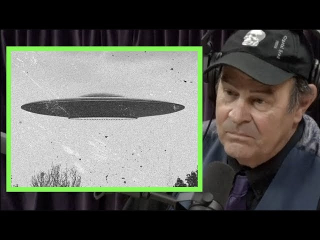 Dan Aykroyd Details His UFO Experiences   Joe Rogan