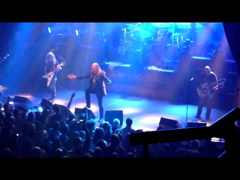 Saxon - Call to arms - Paris 2011