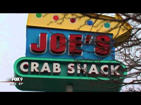Joe's Crab Shack apologizes for table photo of black man's public hanging