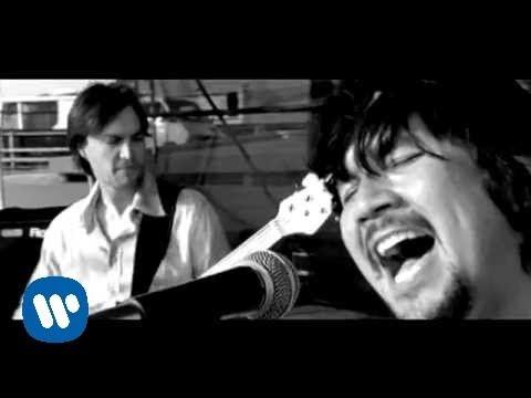 Bacilos - Guerras Perdidas (Official Music Video)