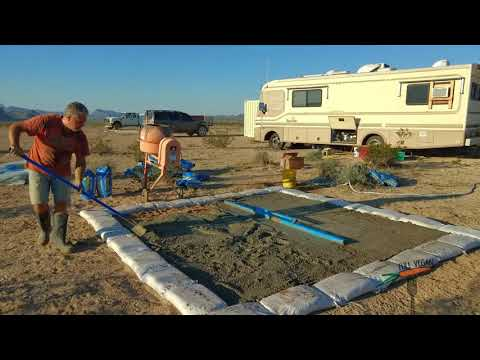 Building an earthbag pantry - OFF-GRID - TERLINGUA TEXAS - HOMESTEAD