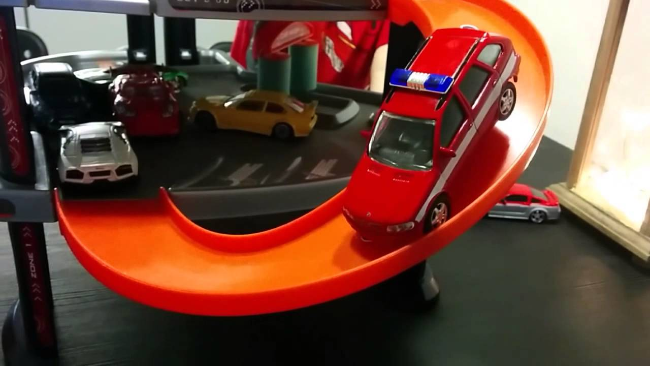 Majorette urban garage toy car parking parkkitalo youtube for Garage fast auto sarcelles