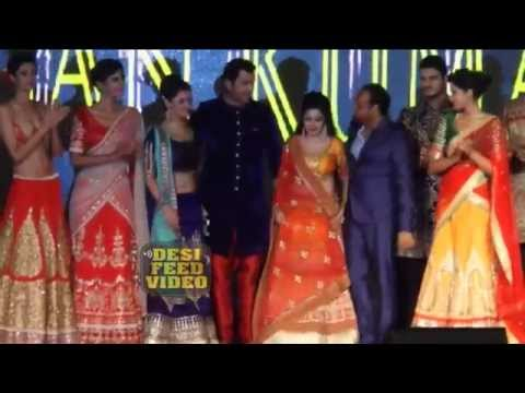 Rashami Desai, Tina Dutta Walk on the Ramp at 19th Globoil India Awards 2015