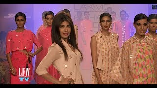 LFW TV Special - Reliance Trends presents Neeta Lulla at Lakme Fashion Week Summer Resort 2014! Thumbnail