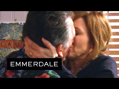 Emmerdale - Did Brenda See What Bob and Laurel Were Doing?