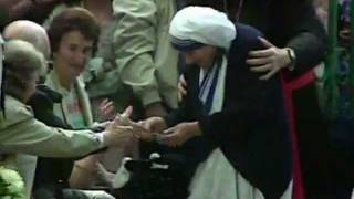 Penn And Teller BS Christopher Hitchens on Mother Teresa