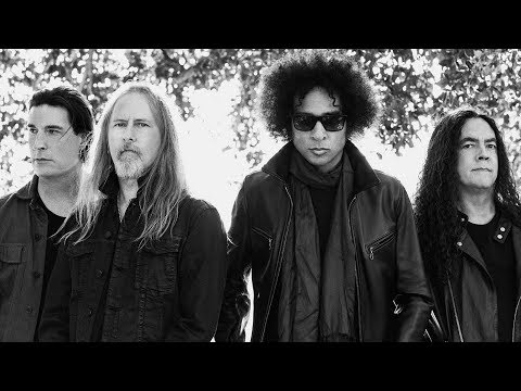 ALICE IN CHAINS' Mike Inez on 'Rainier Fog', Lineup Changes, 90's Grunge & OZZY OSBOURNE (2018)