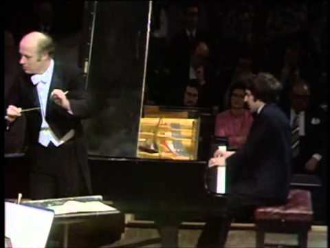Ashkenazy plays Beethoven Concerto 5: Emperor (complete)