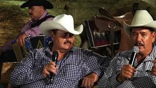 Los Huracanes del Norte - Que Me Entierren Cantando [Desde el Rancho]