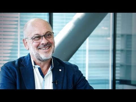 Tim Flannery: Europeans are the ultimate hybrid species - YouTube