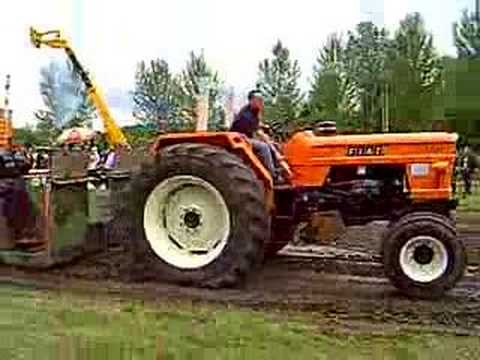 Fiat 1300 tractor pulling