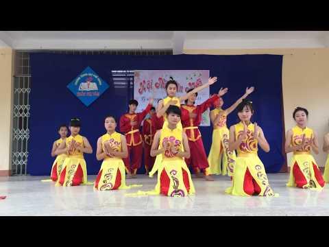 12b2 Huyền Thoại Khóa 12 Trường THPT Trần Thị Tâm 20.11.2014 ( Hồn thiêng đất việt)