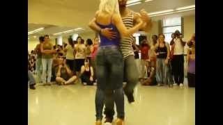 Repeat youtube video Anselmo Ralph-Não Me Toca-Albir y Sara(Kizomba dance)