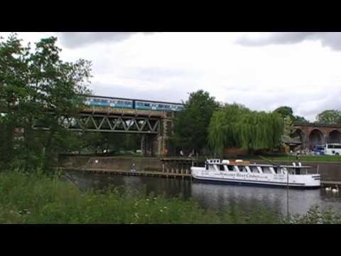 Train Crossing Worcester River Severn Railway Bridge & Viaduct, Worcestershire, UK 13th June 2010