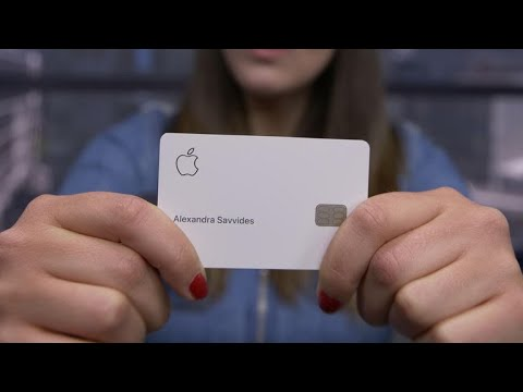 Unboxing EXTRAÑO: abrimos la Apple Card