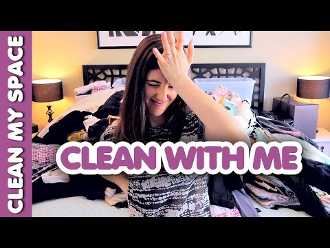 How to Clean Your Closet! (Clean With Me)