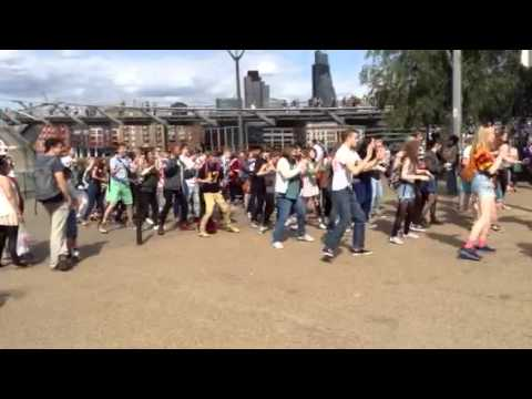 Flashmob by the National Youth Theatre