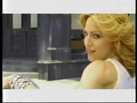 madonna-&-missy-elliott---gap-commercial
