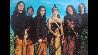 Download Lagu KONSER LAWAS DEWA 19   Satu Sisi, Bunga, Hitam Putih, Hanya Satu, Tak 'Kan Ada Cinta Yang Lain. 1997 mp3