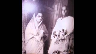 Rashtrasant Tukdoji Maharaj with Sant Shri Lahanuji Maharaj