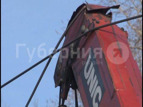 Шофер грузовика остановил на несколько часов движение трамваев в Хабаровске.MestoproTV