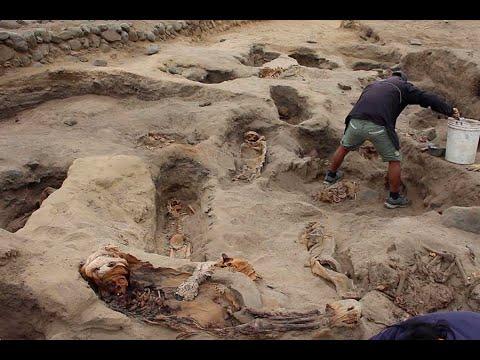 Տեսանյութ. Հայտնաբերվել է անբնական դիրքերով թաղված,զոհ մատուցված ավելի քան 250 երեխաների գերեզմանատեղի