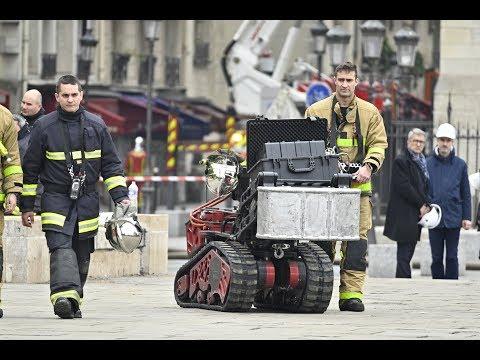 روبوت ينقذ كاتدرائية نوتردام من الدمار  - 15:55-2019 / 4 / 19