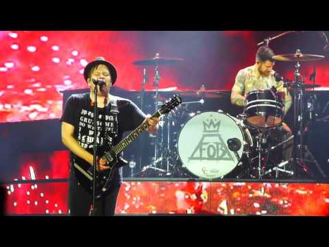 Fall Out Boy - Fourth Of July, live @ Heineken Music Hall, Amsterdam 20-10-2015