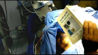 شاهد: مريض يقرأ القرآن أثناء خضوعه لعملية جراحية في المخ…