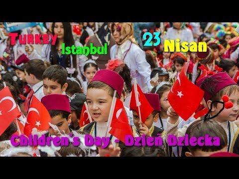 TURCJA - STAMBUŁ - Dzień Dziecka (TURKEY, Istanbul, Children's Day 23 Nisan)
