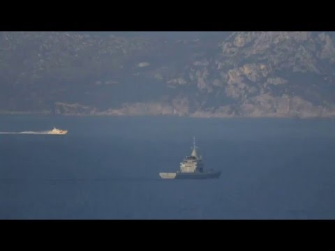 Turkish Coast Guard provoking & harassing Hellenic Navy.