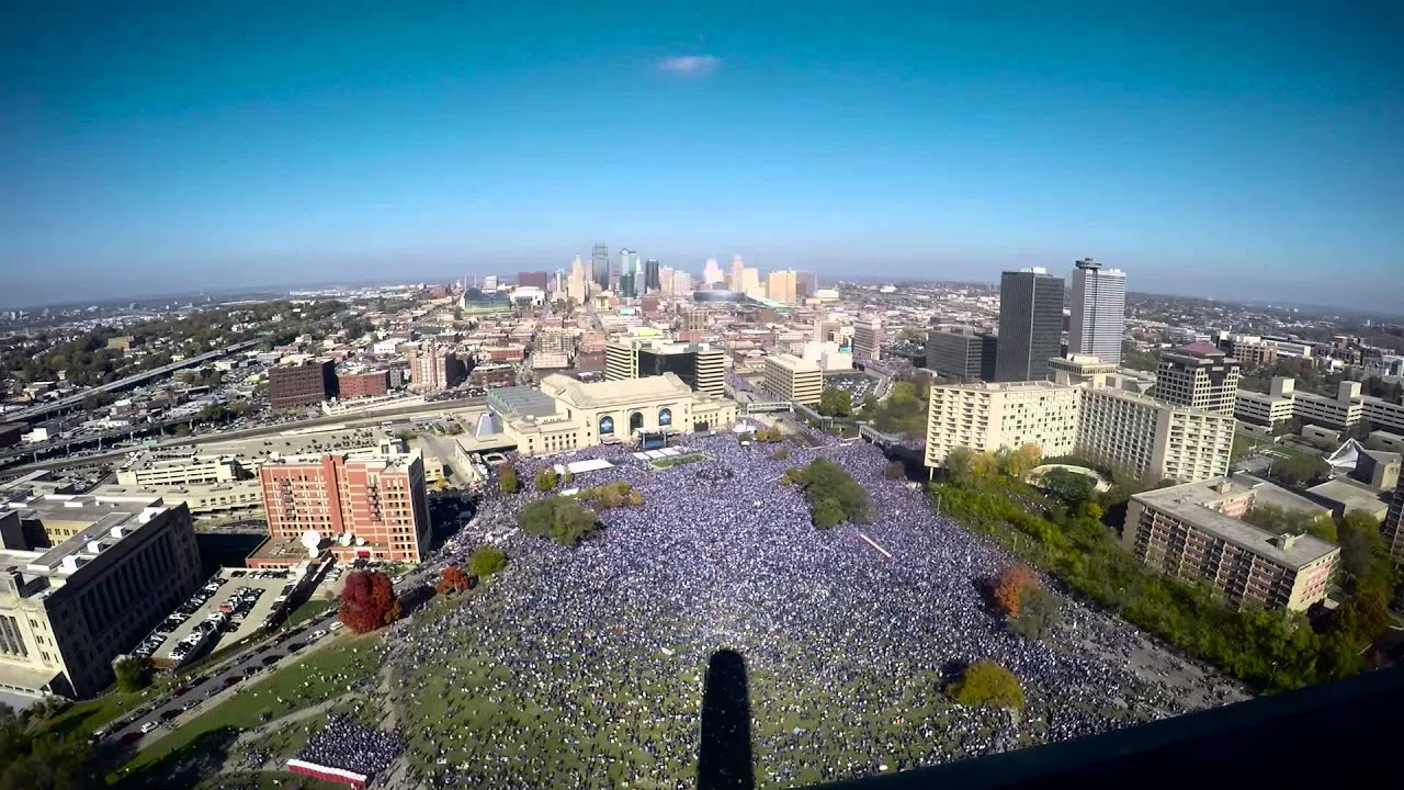 Kansas City Royals World Series Party from the Liberty Memorial - YouTube