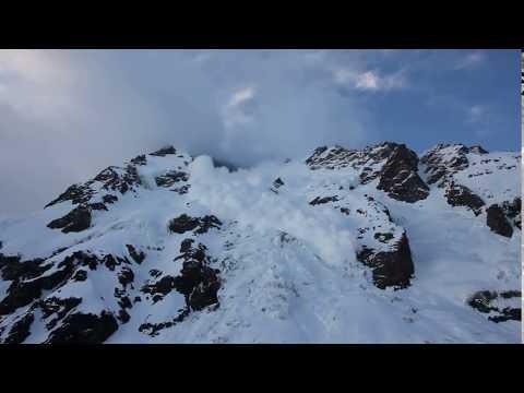 Alpine Club of Canada little bit of excitement on the Carpé Ridge