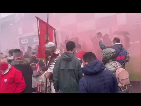Espectacular recibimiento al Lugo en el Ángel Carro