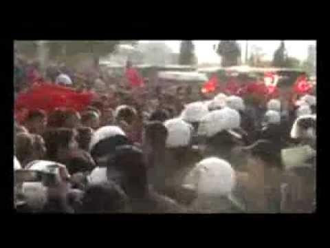 BDP binasına Türk bayrağı asanlara tutuklama Artık Türk Bayrağı Asmak Suçmuş ?