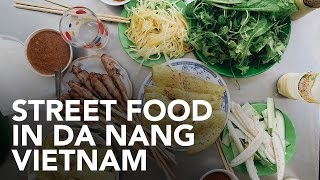 Eating Vietnamese street food in Da Nang