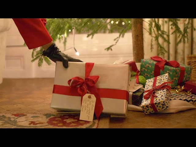 Christmas Ad: Christmas with love from Mrs Claus