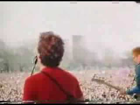 The Clash - White Riot (Live 1978 Victoria Park London)