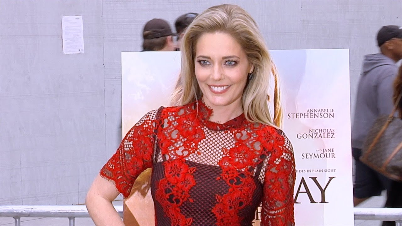 Watch Christina Moore video