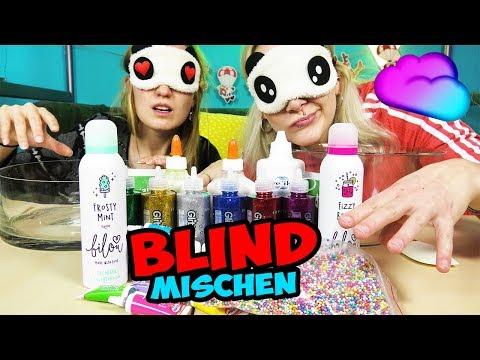 BLIND SLIME MACHEN CHALLENGE - Nina VS Kathi - WER MACHT DEN BESTEN SCHLEIM mit verbundenen Augen?