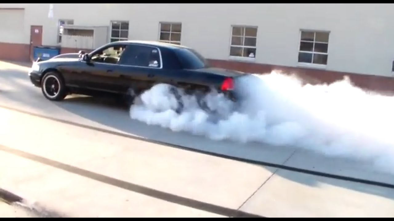 4 Burnouts In Evilvic Cammed 2003 P71 Crown Victoria
