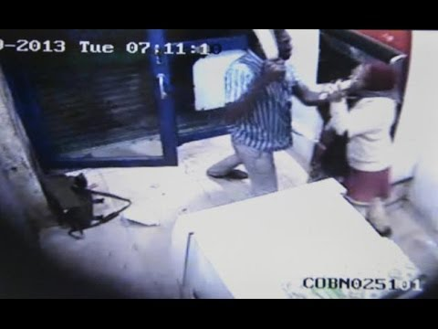 [UNCENSORED CCTV FOOTAGE] Bangalore Woman ATM Attack : Bank Manager Attacked Inside ATM Kiosk