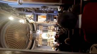 Me cago en dios dentro de una iglesia mientras bendicen el cuerpo de cristo