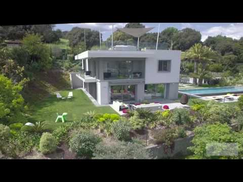 ARCHITECT-DESIGNED PROPERTY ON THE HEIGTHS OF CANNES CALIFORNIE